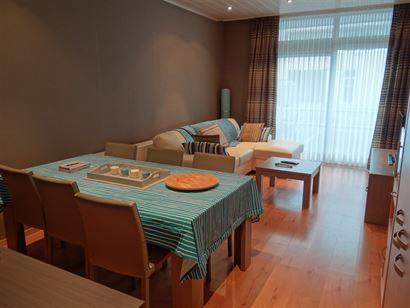 Res. Apollo I 00.01 - Appartement met slaapkamer en slaaphoek - Gelegen op de gelijkvloerse verdieping in de Franslaan - Inkomhal met ruime slaaphoek ...