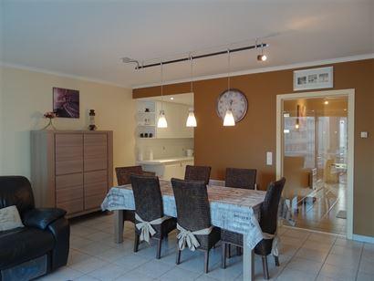 Res. Seastar 0302 - Appartement spacieux avec vue latérale sur mer - A quelques pas de la rue commerciale - Hall d'entrée - Séjour avec cuisine éq...
