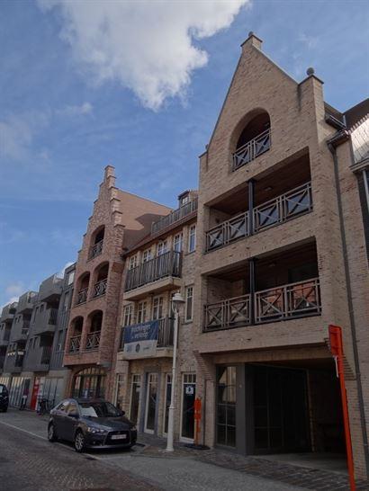 NEPTUNUS PARKING 4 - Parking ouvert dans une cour intérieure - Nouvelle construction - Situation centrale à Nieuwpoort-Stad  (rue perpendiculaire au...
