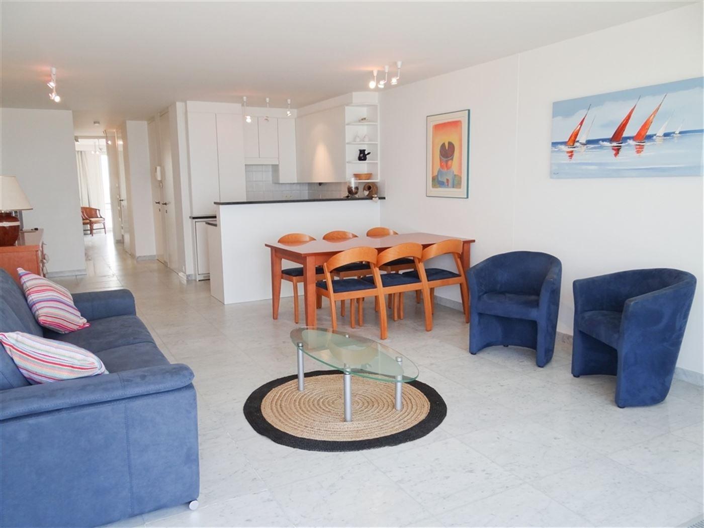 TE HUUR OP JAARBASIS - modern ingericht appartement op de 8ste verdieping met frontaal zeezicht - ingerichte keuken met frigo, vaatwas, microgolf en e...