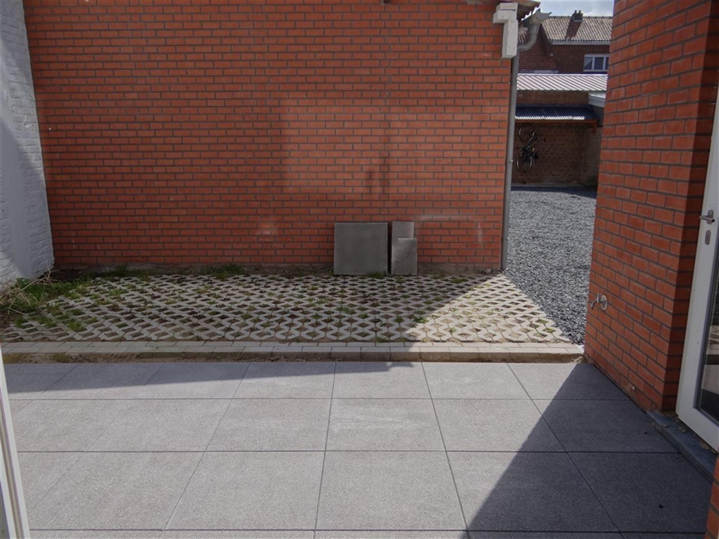 Res. Zuiderkaai - 0001 - Handels gelijkvloers met mogelijkheid tot 2 praktijk ruimtes en garage gelegen op de gelijkvloerse verdieping nabij de vernie...
