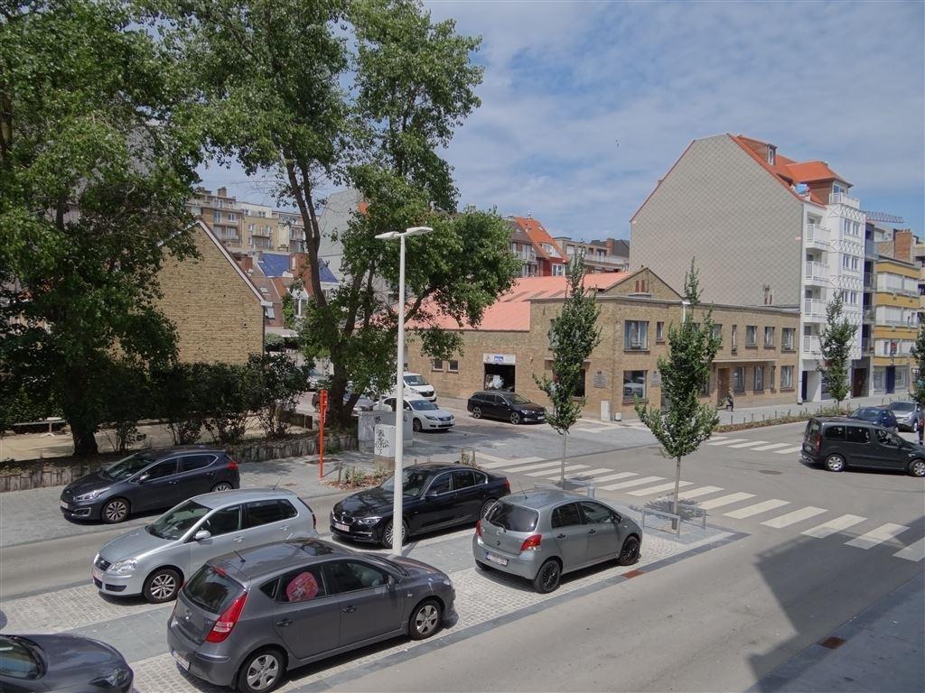 Res. San Michele 0102 - Appartement met 2 slaapkamers én slaaphoek - Gelegen op de eerste verdieping in de Franslaan - Riante inkomhal -  Living met ...