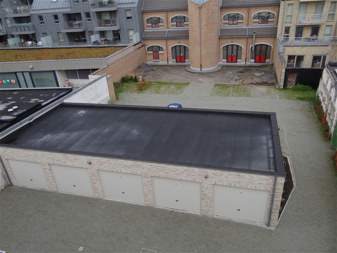 NEPTUNUS G2 - Ruime gesloten garagebox - Nieuwbouw - Centrale ligging in Nieuwpoort-Stad (zijstraat van de Kaai) - Afmetingen: 3 x 6 m - Gemakkelijk i...