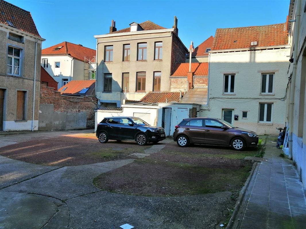 <br /><br />En plein centre ville, voici ce lot immobilier comprenant 10 maisons dont 8 [..]