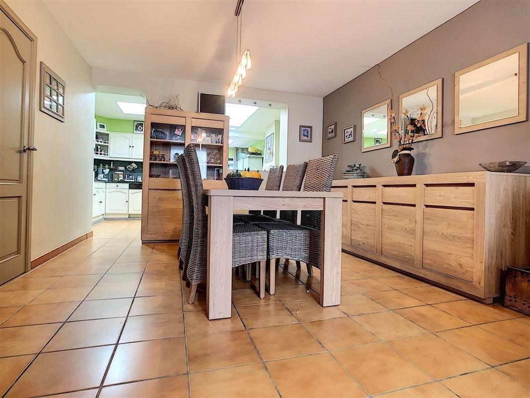 <br />Chaleureuse maison d'habitation située à Mouscron, proche de toutes [..]