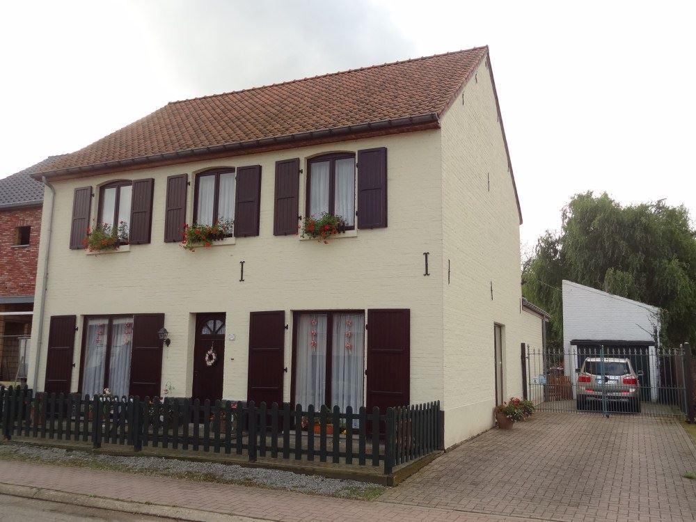 Half-open bebouwing te 3803 RUNKELEN (België) - Prijs