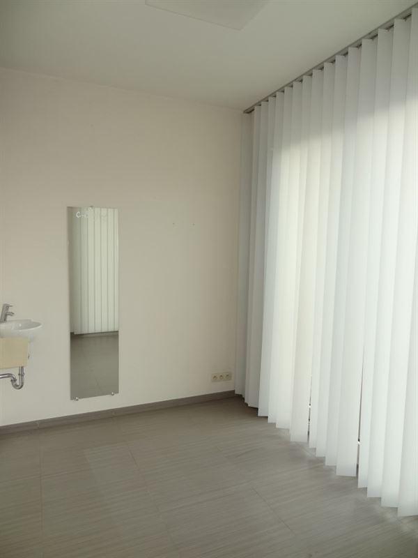 Foto 8 : Burelen te 3800 SINT-TRUIDEN (België) - Prijs € 250.000