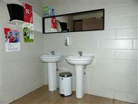 Foto 10 : Winkelruimte te 2870 RUISBROEK (België) - Prijs € 60.000