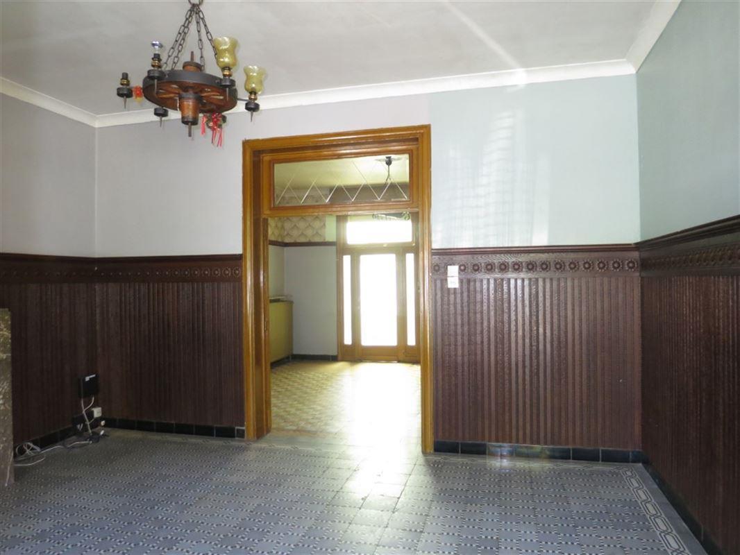 Gezinswoning met 2 grote slaapkamers - vaste trap naar zolder - tuintje