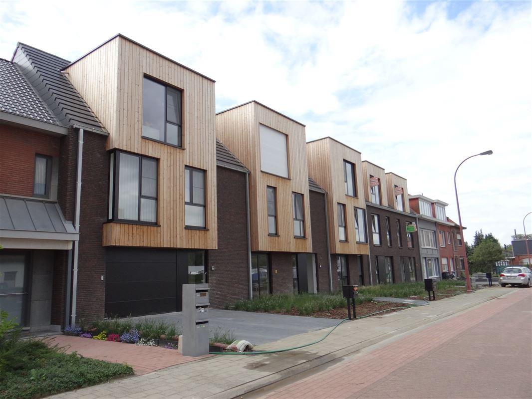 Foto 1 : Parking/Garagebox te 2940 HOEVENEN (België) - Prijs € 15.000
