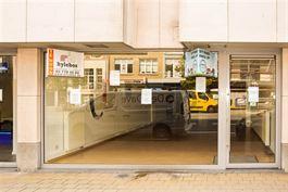 Winkelruimte te 9100 SINT-NIKLAAS (België) - Prijs € 1.100