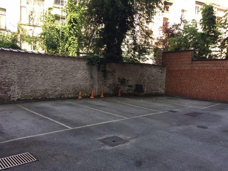 Foto 2 : buitenstaanplaats te 1000 BRUXELLES (België) - Prijs € 100