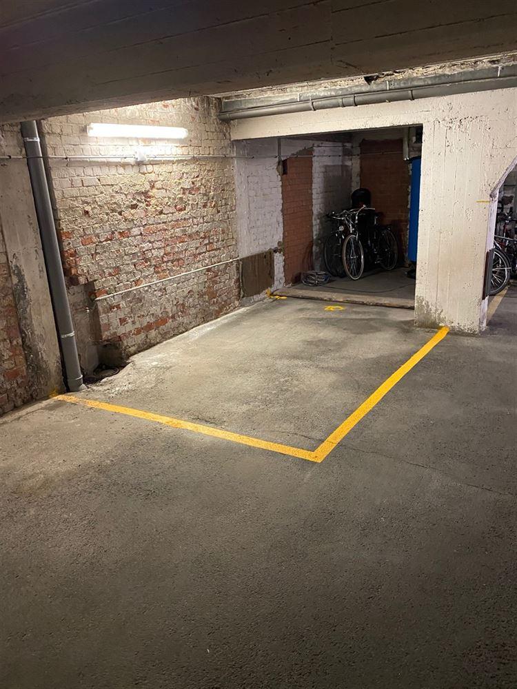 Foto 2 : binnenstaanplaats te 1030 SCHAARBEEK (België) - Prijs € 25.000