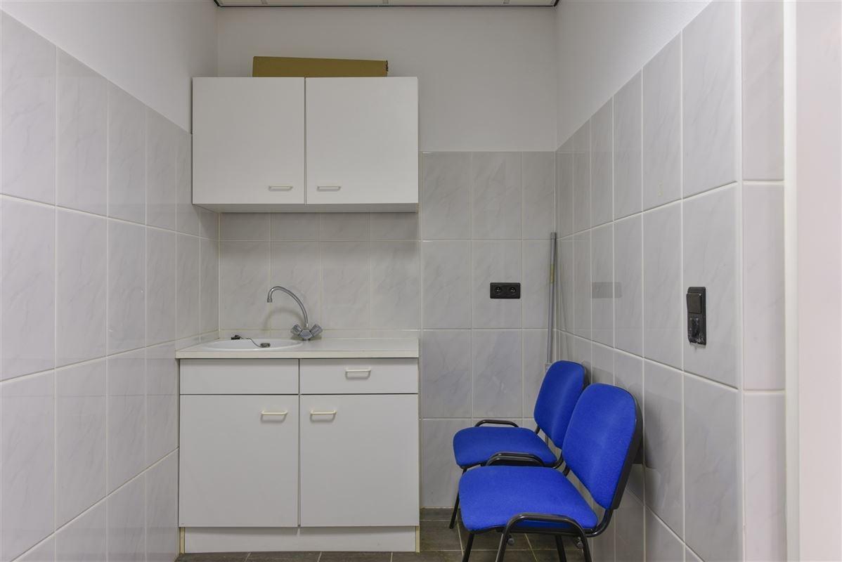 Foto 6 : Kantoor te 3620 Lanaken (België) - Prijs € 700