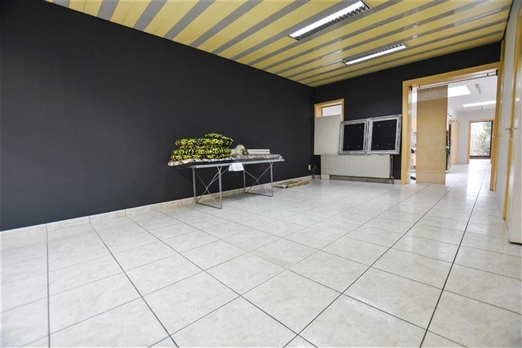 Commerce à 7700 MOUSCRON (Belgique) - Prix