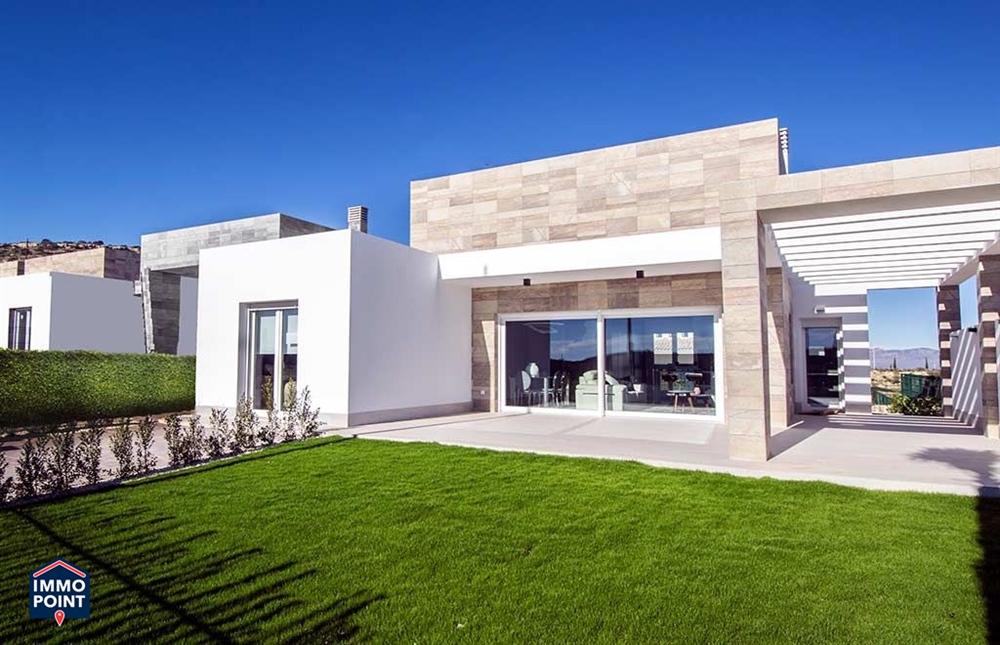 villa te ALGORFA (ALICANTE)