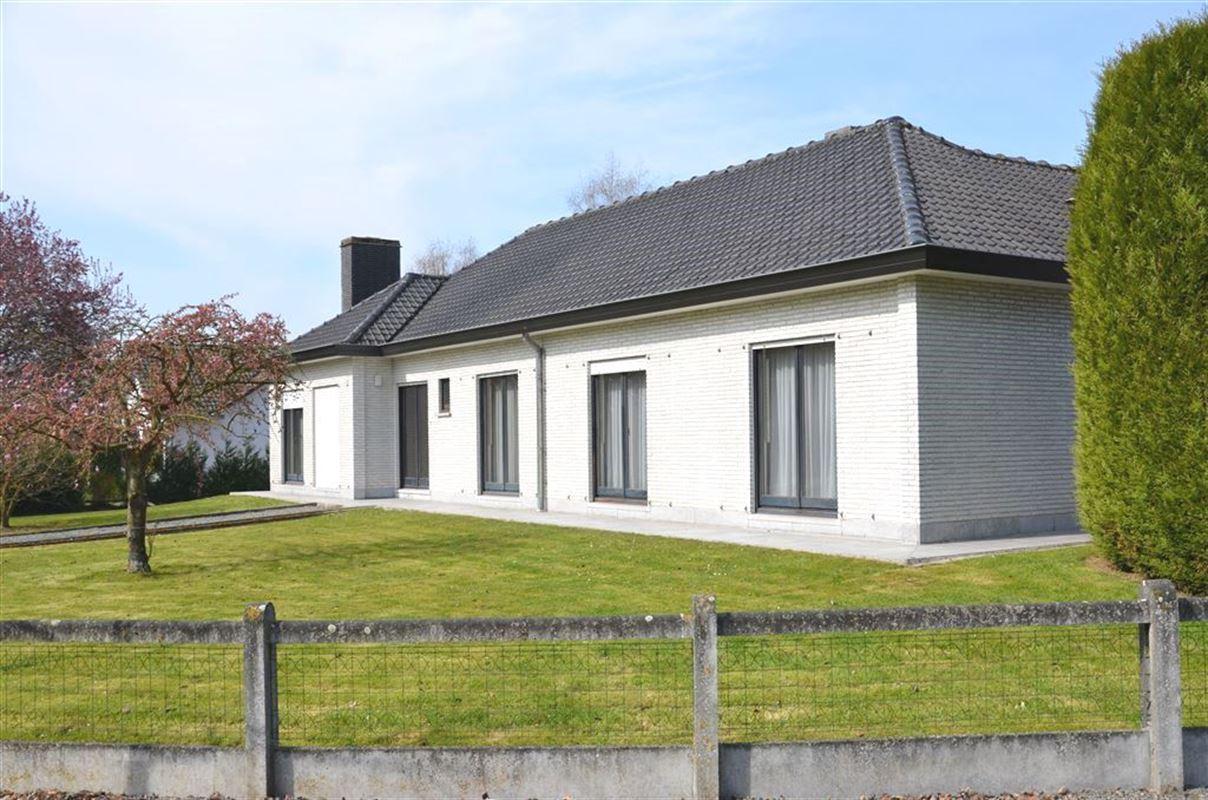 villa te 7800 ATH (België) - Prijs