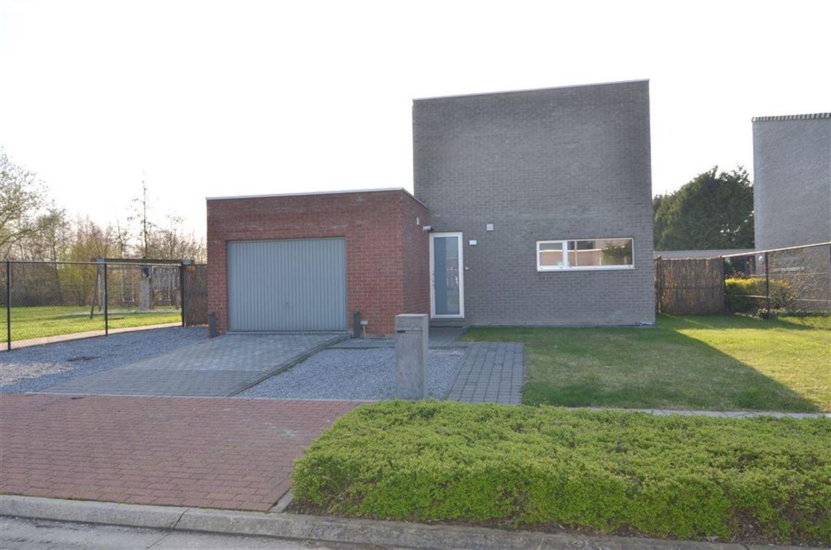 IN 3540 HERK-DE-STAD (Belgium) - Price