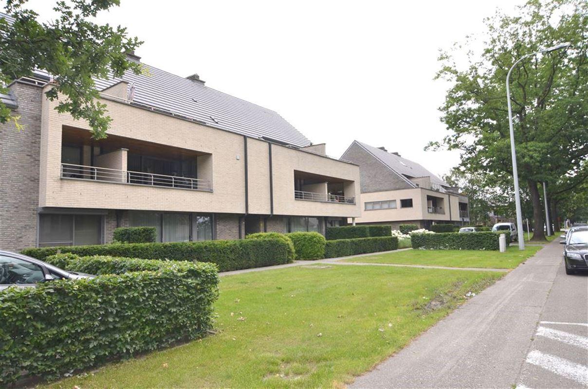 IN 3600 GENK (Belgium) - Price