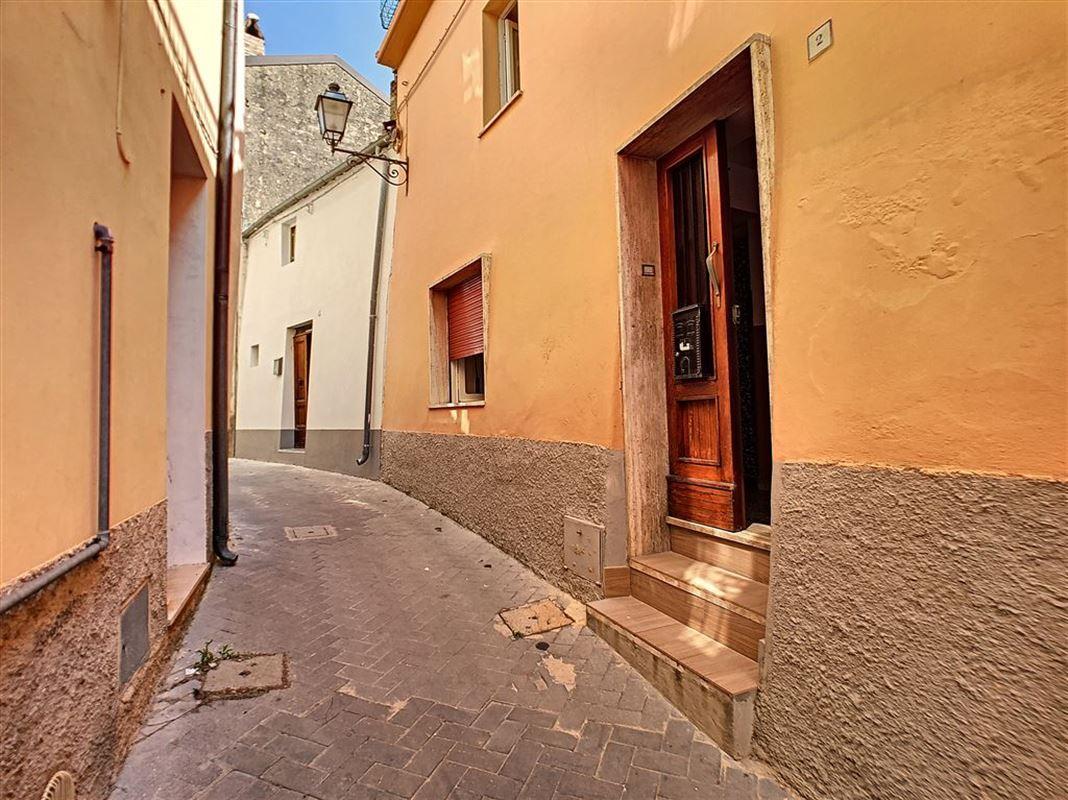 habitation à 65014 LORETO APRUTINO (Italie) - Prix 48.000 €