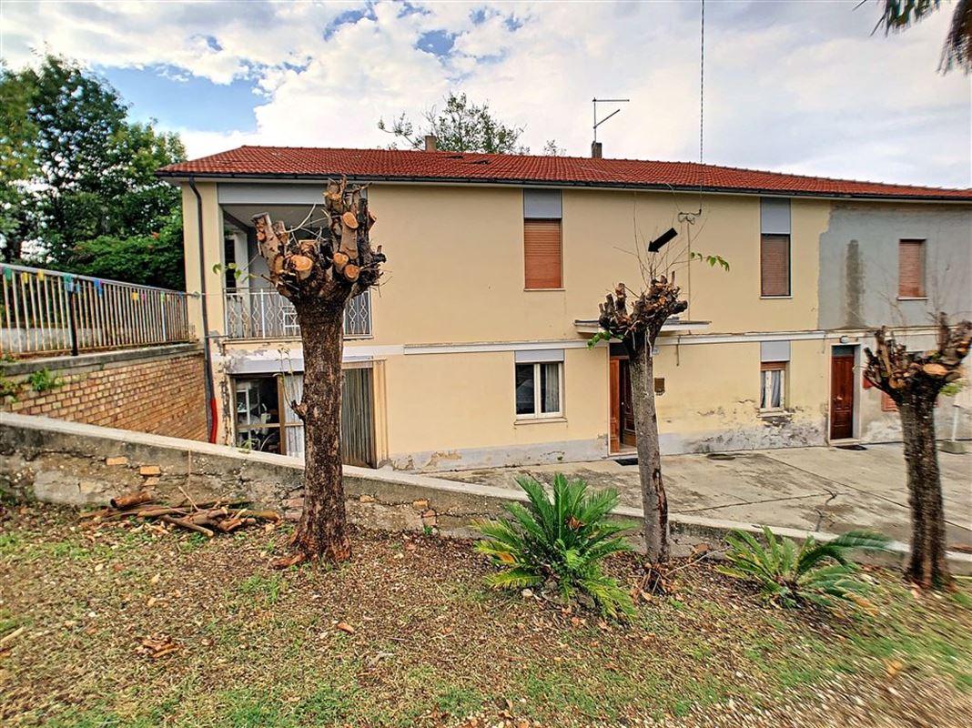 habitation à 65014 LORETO APRUTINO (Italie) - Prix 88.000 €