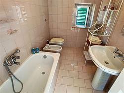 Image 10 : habitation à 65014 LORETO APRUTINO (Italie) - Prix 79 €