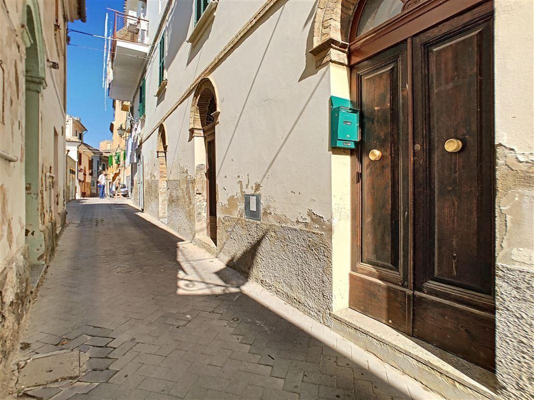 IN 65014 LORETO APRUTINO (Italia) - Price 31.000 €
