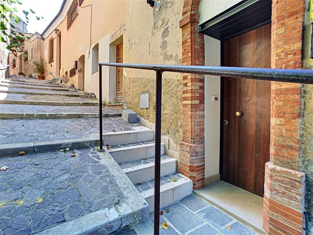 IN 65014 LORETO APRUTINO  (Italia) - Price 53.000 €