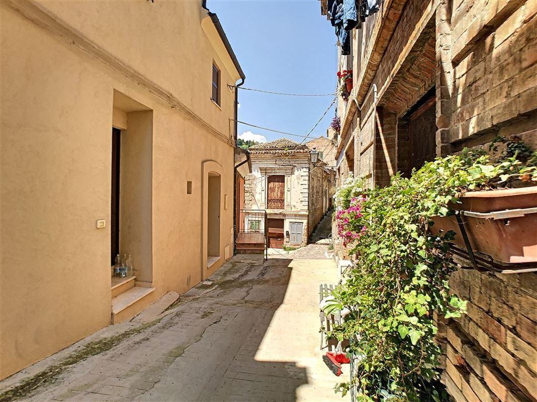 IN 65014 LORETO APRUTINO (Italia) - Price 94.000 €