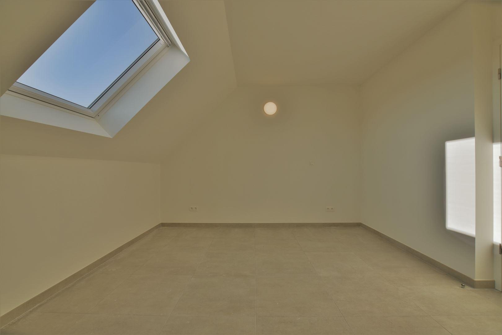 Foto 12 : Duplex/Penthouse te 9200 APPELS (België) - Prijs € 800
