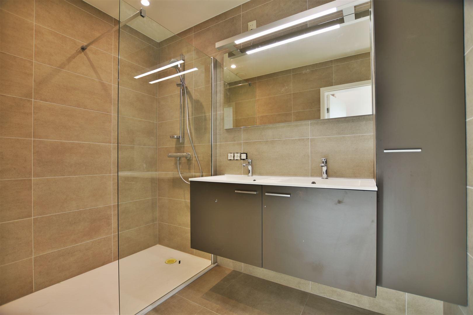 Foto 13 : Duplex/Penthouse te 9200 APPELS (België) - Prijs € 800