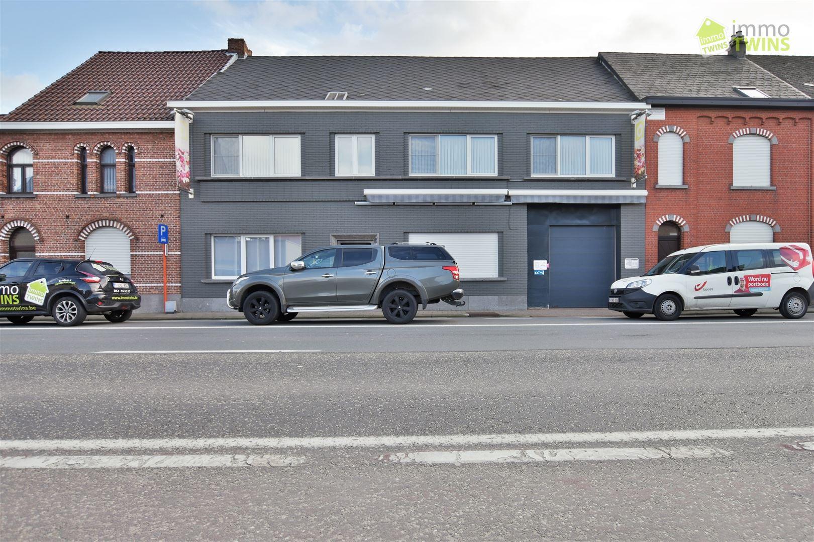 Foto 1 : Gemengd gebouw te 9308 GIJZEGEM (België) - Prijs € 549.000