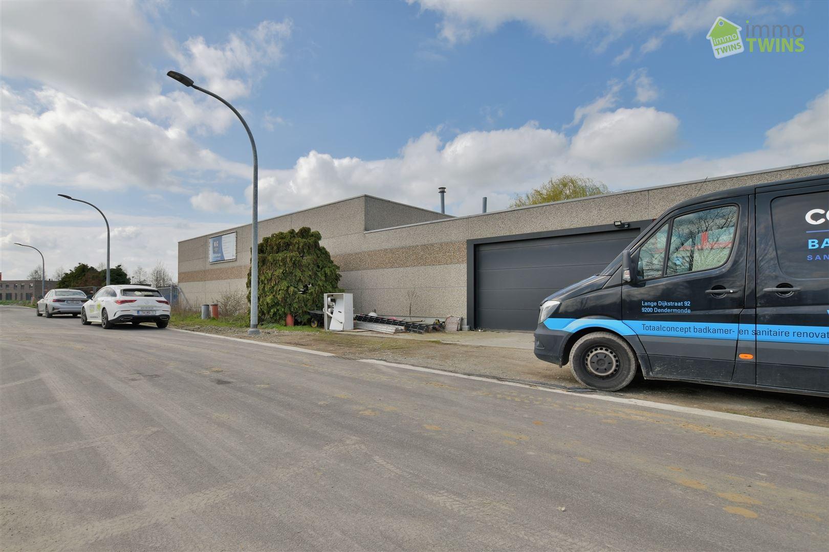 Foto 2 : Magazijn te 9200 DENDERMONDE (België) - Prijs € 325.000