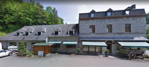 Immeuble mixte a vendre à MOZET (5340)