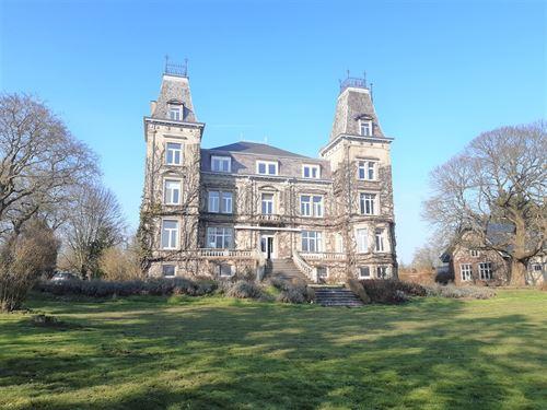 Château a vendre à BRANCHON (5310)