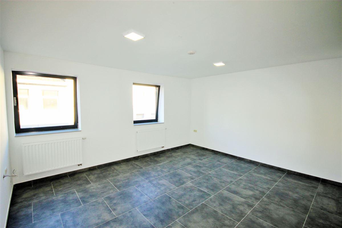 Image 3 : Appartement à 6000 CHARLEROI (Belgique) - Prix 575 €