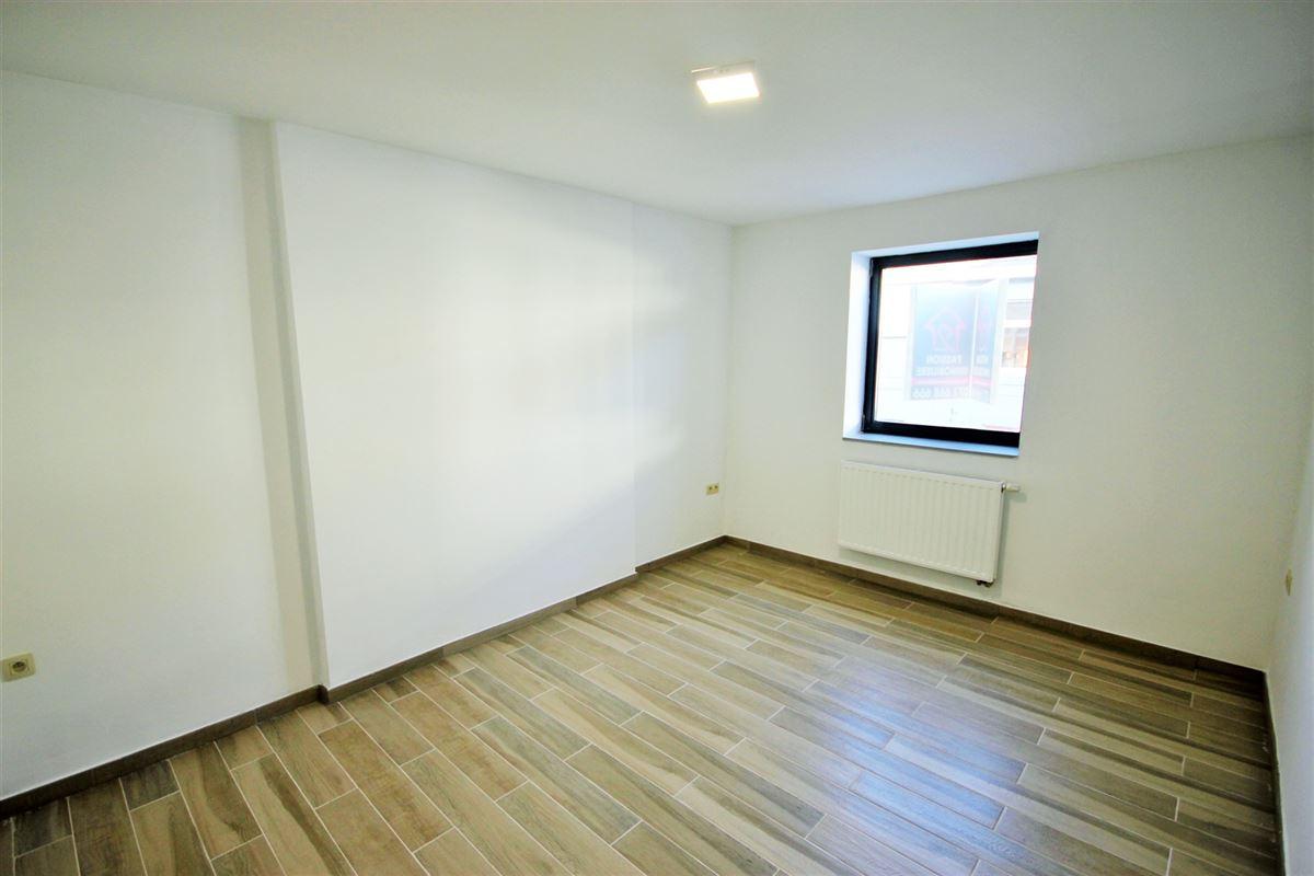Image 4 : Appartement à 6000 CHARLEROI (Belgique) - Prix 575 €