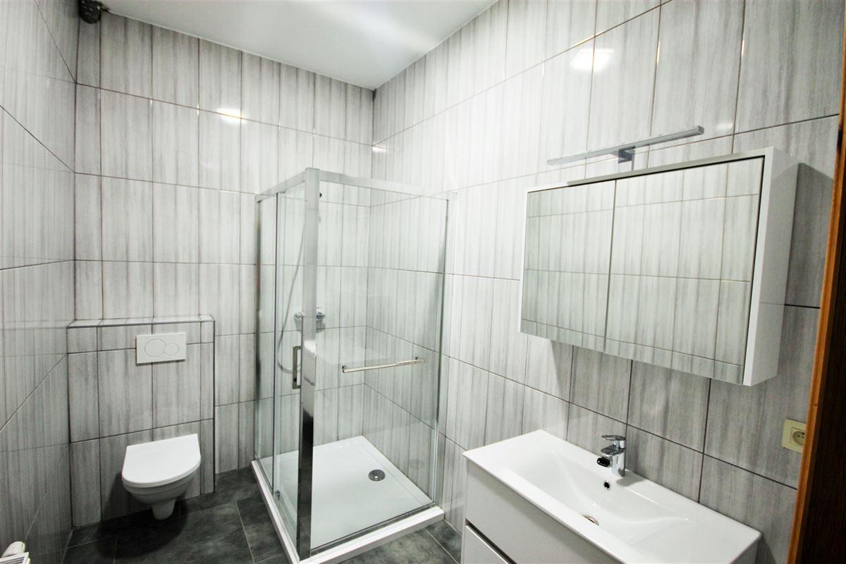 Image 6 : Appartement à 6000 CHARLEROI (Belgique) - Prix 575 €