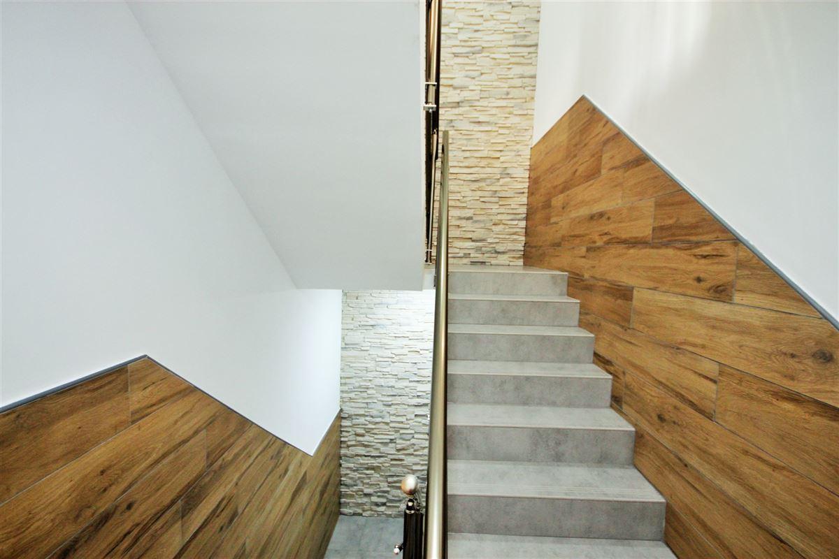Image 8 : Appartement à 6000 CHARLEROI (Belgique) - Prix 575 €