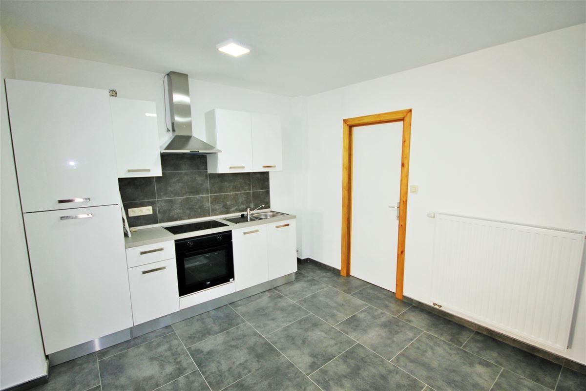 Image 2 : Appartement à 6000 CHARLEROI (Belgique) - Prix 575 €