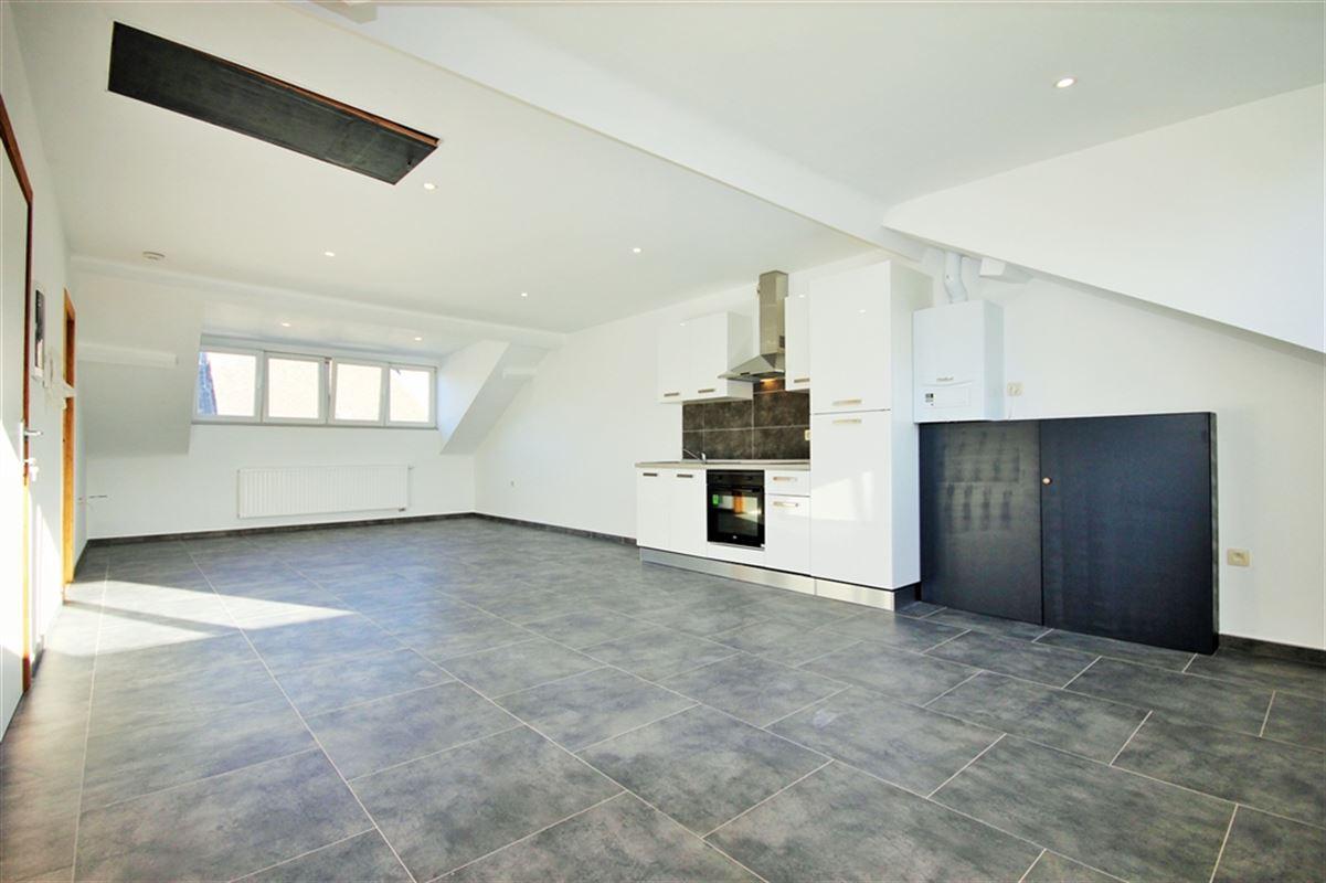 Appartement à 6000 CHARLEROI (Belgique) - Prix 600 €