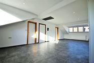 Image 2 : Appartement à 6000 CHARLEROI (Belgique) - Prix 600 €