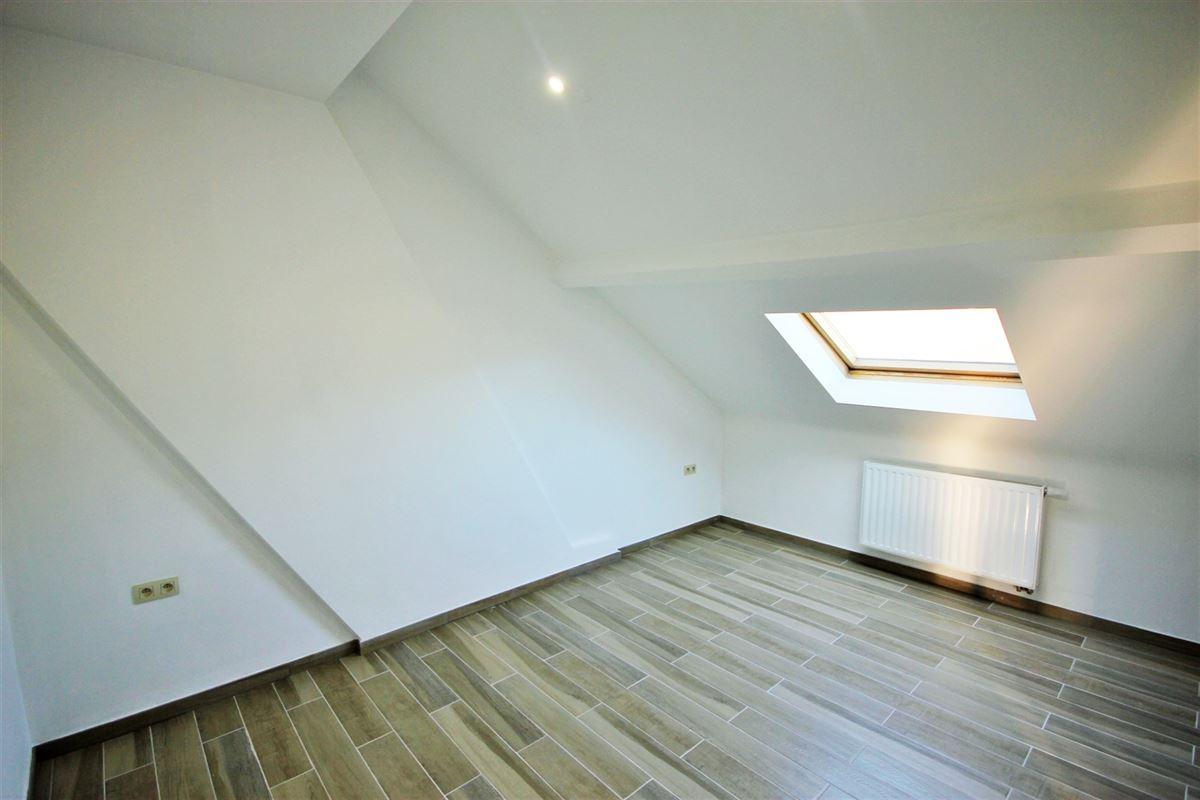 Image 5 : Appartement à 6000 CHARLEROI (Belgique) - Prix 600 €