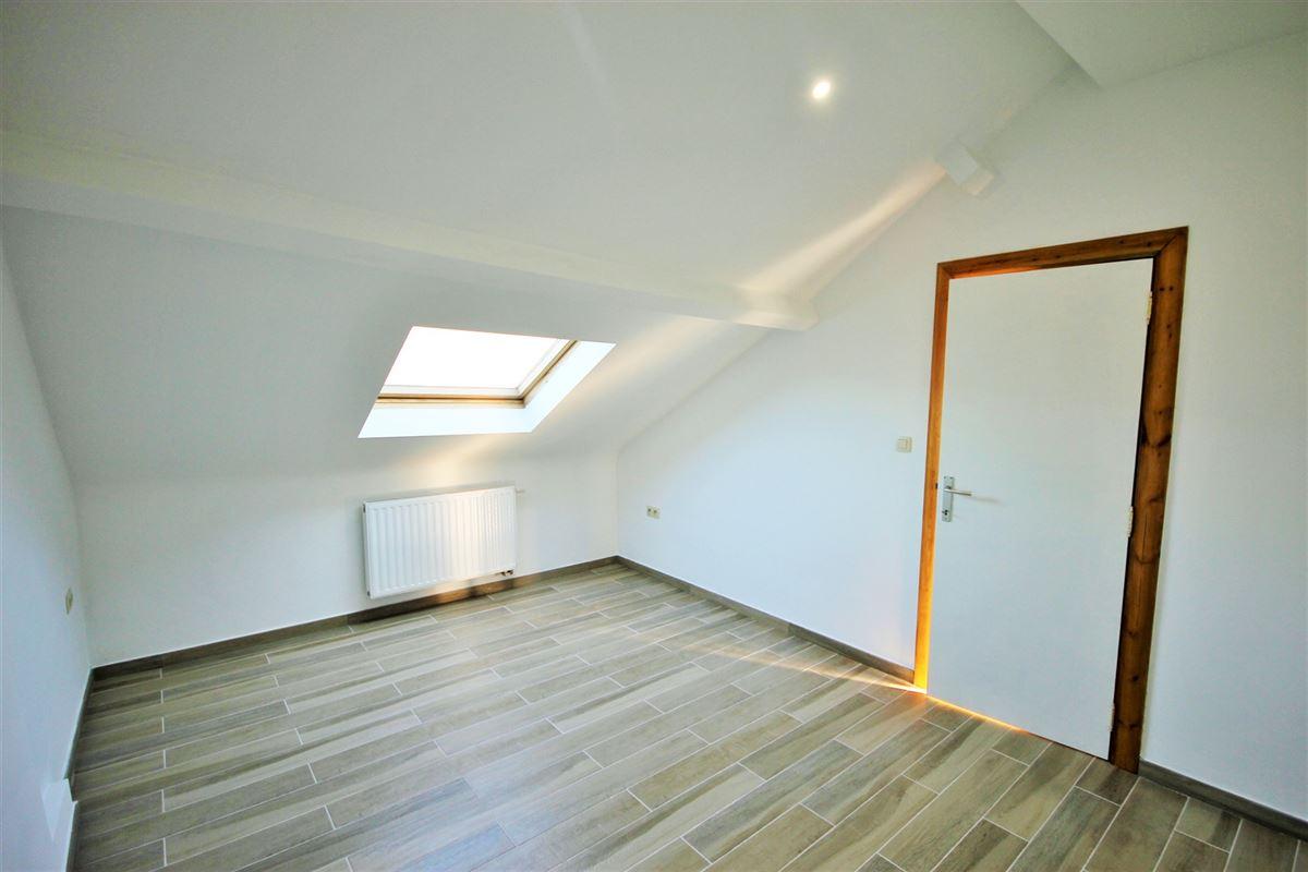 Image 6 : Appartement à 6000 CHARLEROI (Belgique) - Prix 600 €