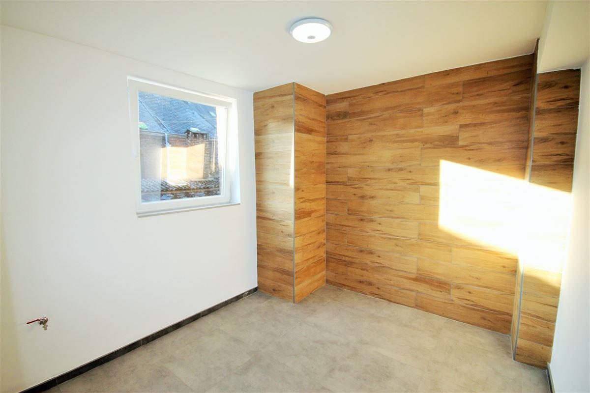 Image 8 : Appartement à 6000 CHARLEROI (Belgique) - Prix 600 €