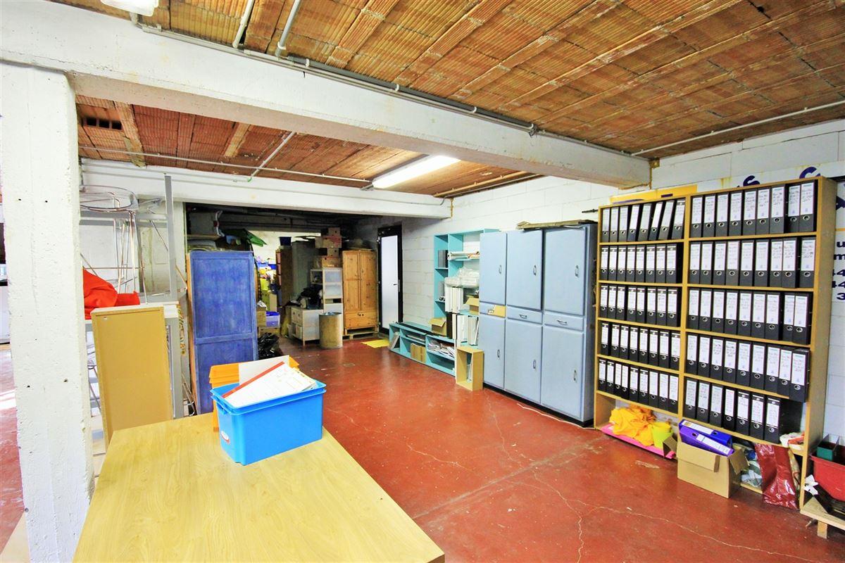 Image 15 : Commerce à 5640 METTET (Belgique) - Prix 285.000 €