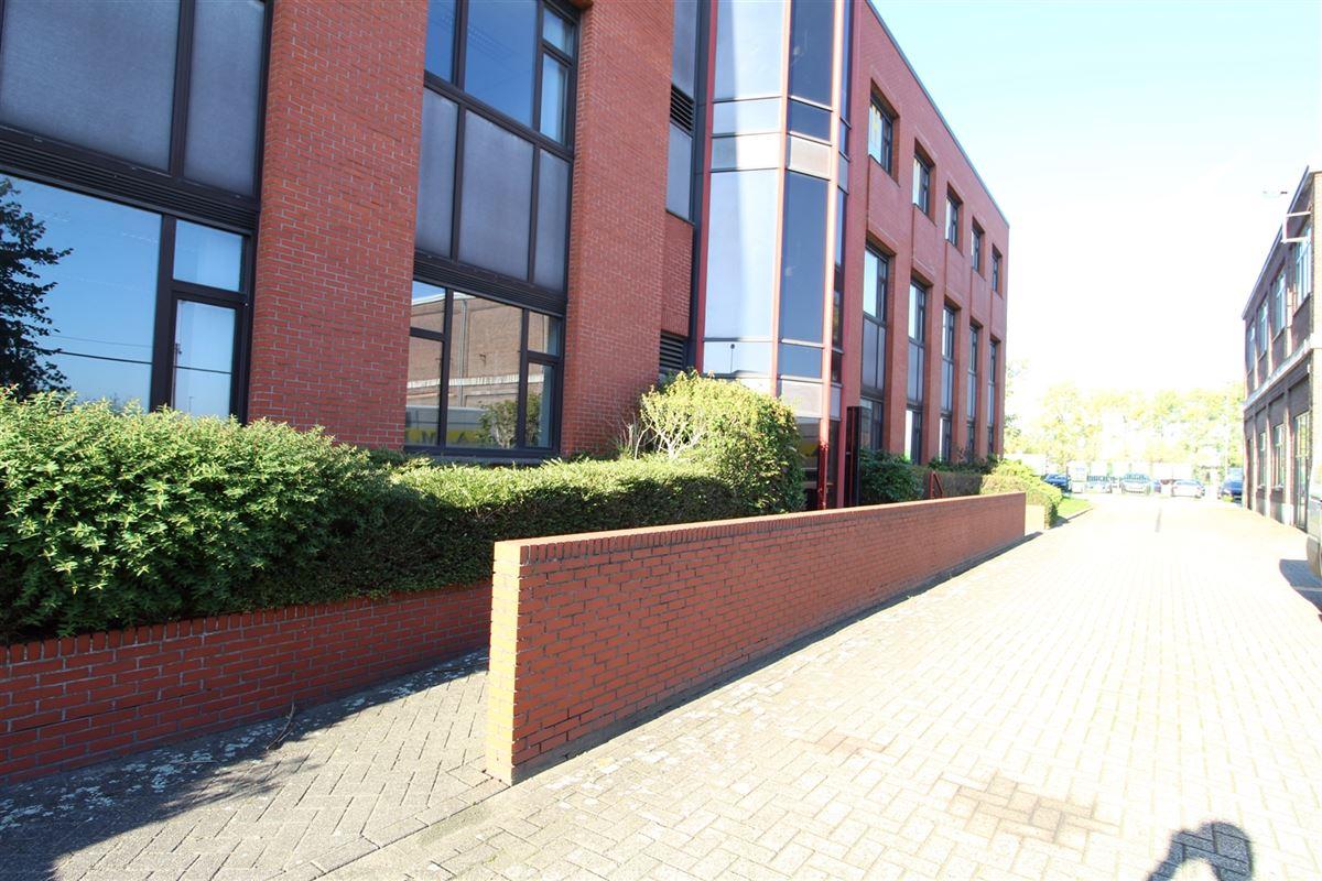 Foto 6 : Bedrijfsgebouw te 9940 Evergem (België) - Prijs € 2.000.000