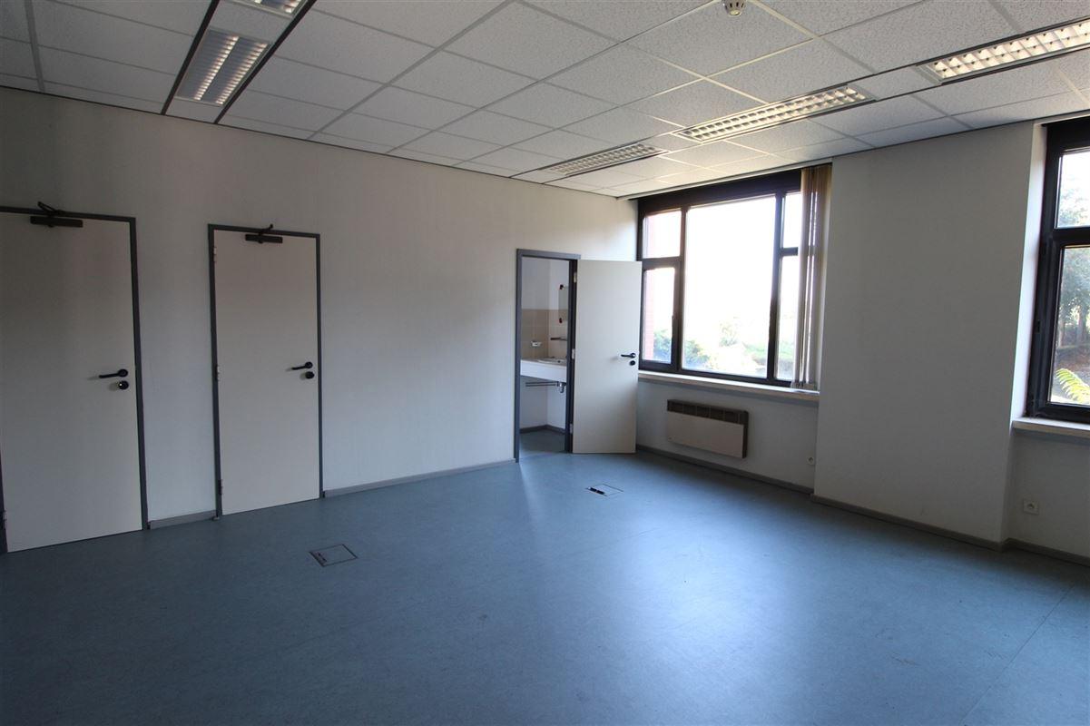 Foto 12 : Bedrijfsgebouw te 9940 Evergem (België) - Prijs € 2.000.000