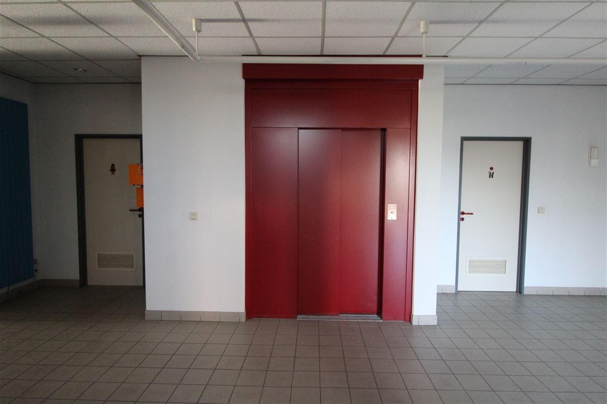 Foto 14 : Bedrijfsgebouw te 9940 Evergem (België) - Prijs € 2.000.000