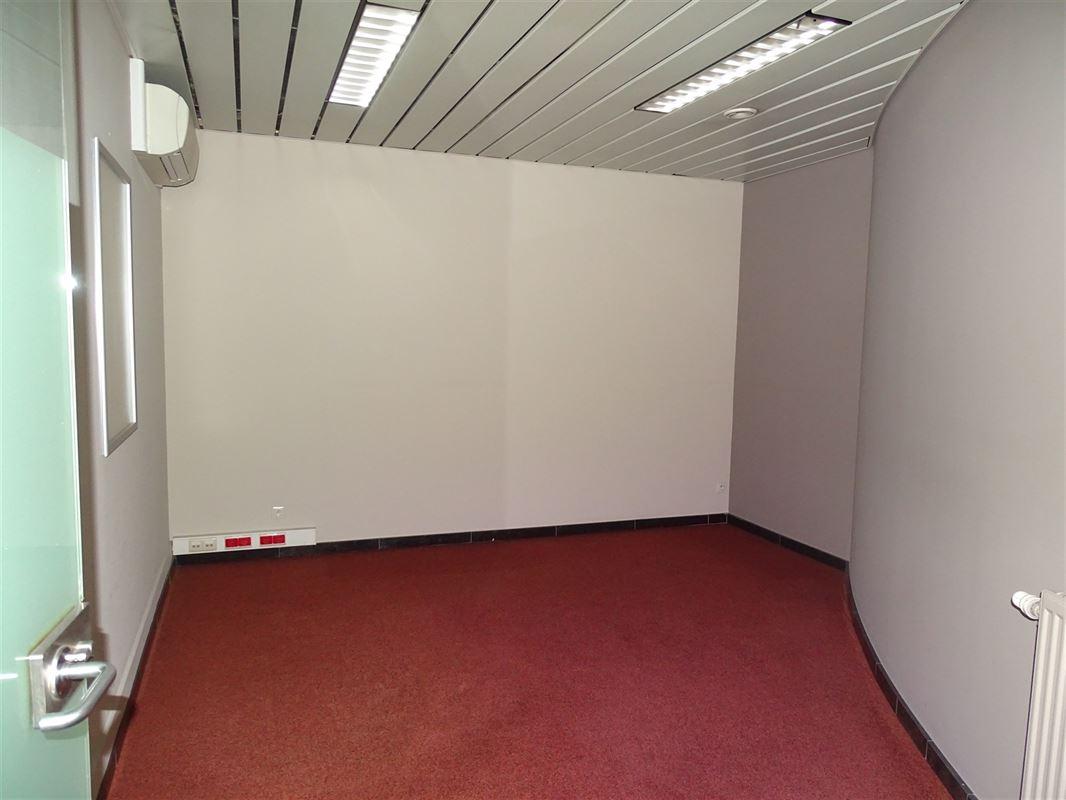 Foto 8 : Handelsgelijksvloers te 9041 OOSTAKKER (België) - Prijs € 440.000